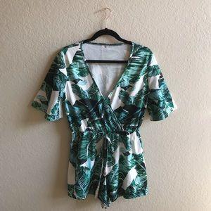 Dresses & Skirts - Leaf print romper size M